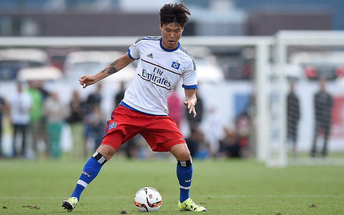 Kim Dong-su ในทีมเยาวชน Hamburger SV