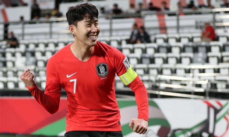 ซอนคว้ารางวัลนักฟุตบอลยอดเยี่ยมแห่งเอเชียเป็นปีที่ 4 ติดต่อกันด้วยคะแนนโหวตที่โดดเด่น  ภาพ: Xinhua