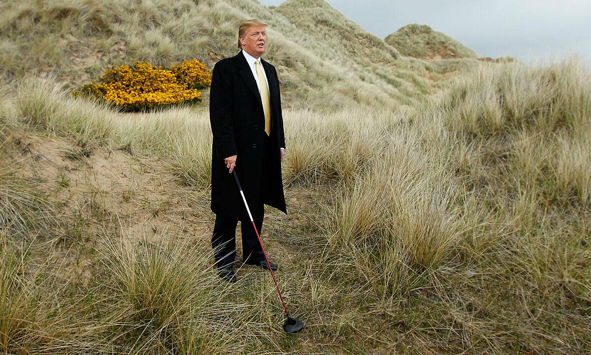 Donald Trump on a golf bunker in Aberdeen, Scotland, 2010. Photo: Reuters