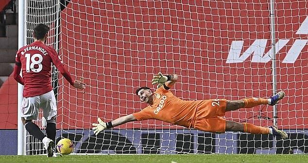 Bruno Fernandes là chuyên gia đá 11m của Man Utd trong một năm qua. Ảnh: AP.