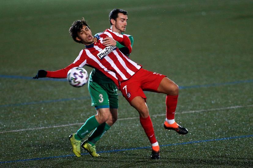 Joao Felix ล้มเหลวในการโต้เถียงกับผู้เล่น Cornella เมื่อวันที่ 6 มกราคม  ภาพ: EFE