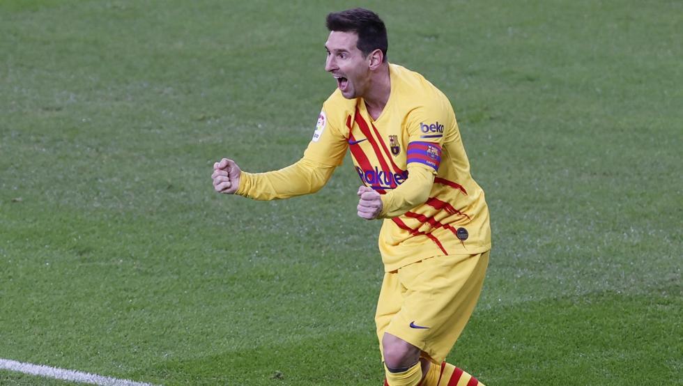 เมสซี่แบ่งปันความสุขของเขากับเพื่อนร่วมทีมของเขาหลังจากเปิดตัวสถานการณ์ที่ทำให้บาร์ซ่าตีเสมอ 1-1  ภาพ: EFE