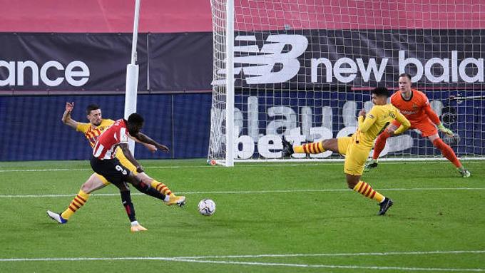 Williams mở tỷ số cho Bilbao. Ảnh: Reuters.