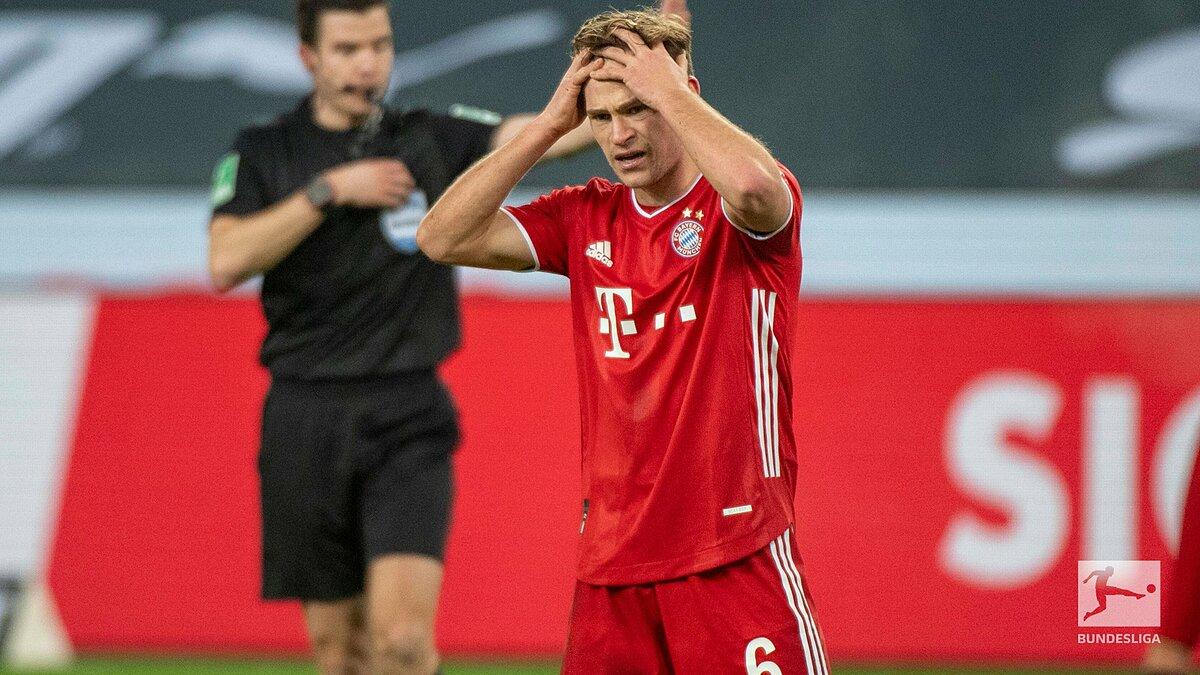 Kimmich tuyệt vọng sau trận đấu. Đây mới là lần đầu tiên kể từ tháng 2/2011, Bayern thất bại sau khi dẫn hai bàn trong một trận cầu tại Bundesliga. Ảnh: Bundesliga