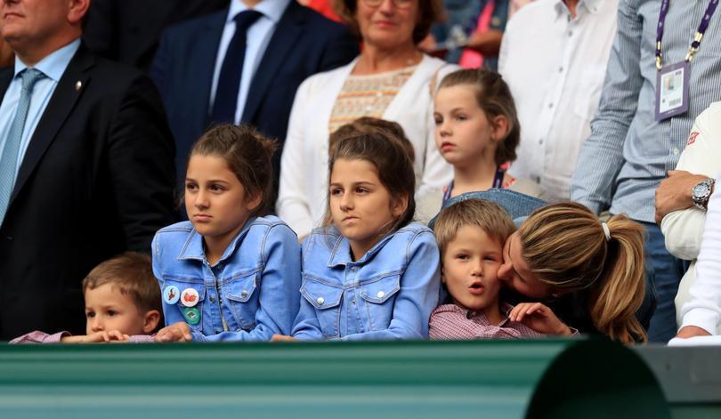 Federer và vợ Mirka đã có với nhau bốn con, là hai cặp sinh đôi hai gái - hai trai. Ảnh: PA.