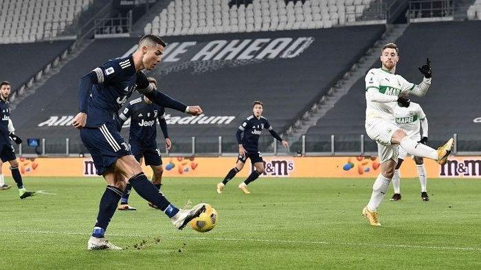 Ronaldo telah mencetak 15 gol dalam 13 pertandingan Serie A musim ini.  Foto: Reuters.