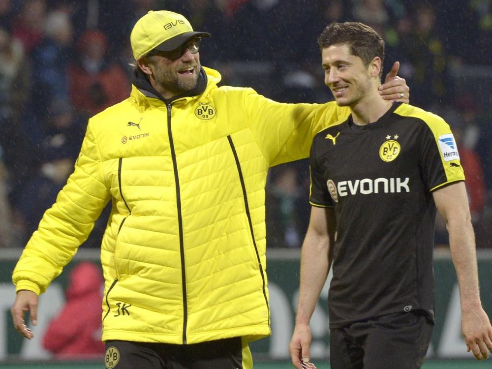 Klopp và Lewandowski thời còn cống hiến cho Dortmund. Ảnh: Reuters.