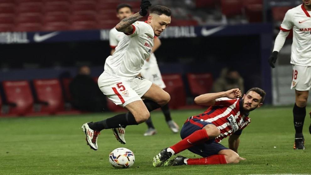 Sevilla (áo trắng) không thể gây bất ngờ trước đội dẫn đầu. Ảnh: Marca.