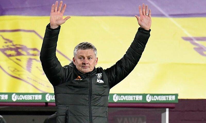 Solskjaer đã trải qua 755 ngày dẫn dắt Man Utd mà chưa đoạt danh hiệu nào. Nhưng, Quỷ Đỏ lần đầu giữ đỉnh bảng Ngoại hạng Anh sau Giáng Sinh kể từ năm 2013. Ảnh: Reuters