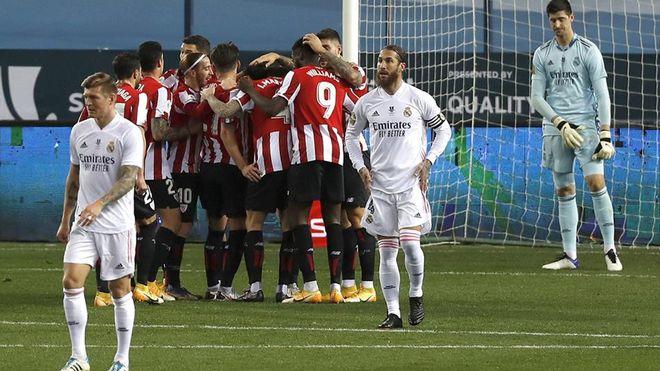 Ramos và đồng đội không thể ngăn Bilbao ghi hai bàn trong hiệp một. Ảnh: EFE.