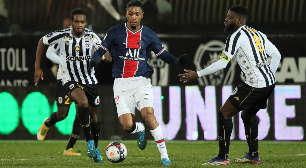 PSG (xanh) duy trì thành tích bất bại trước Angers, với 12 thắng và một hòa. Ảnh: Fr24.