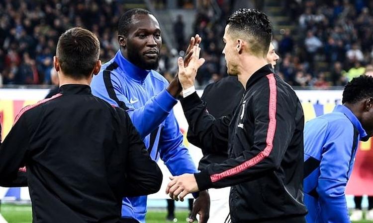 Lukaku tertinggal tiga gol dari Ronaldo musim ini.  Foto: AFP.