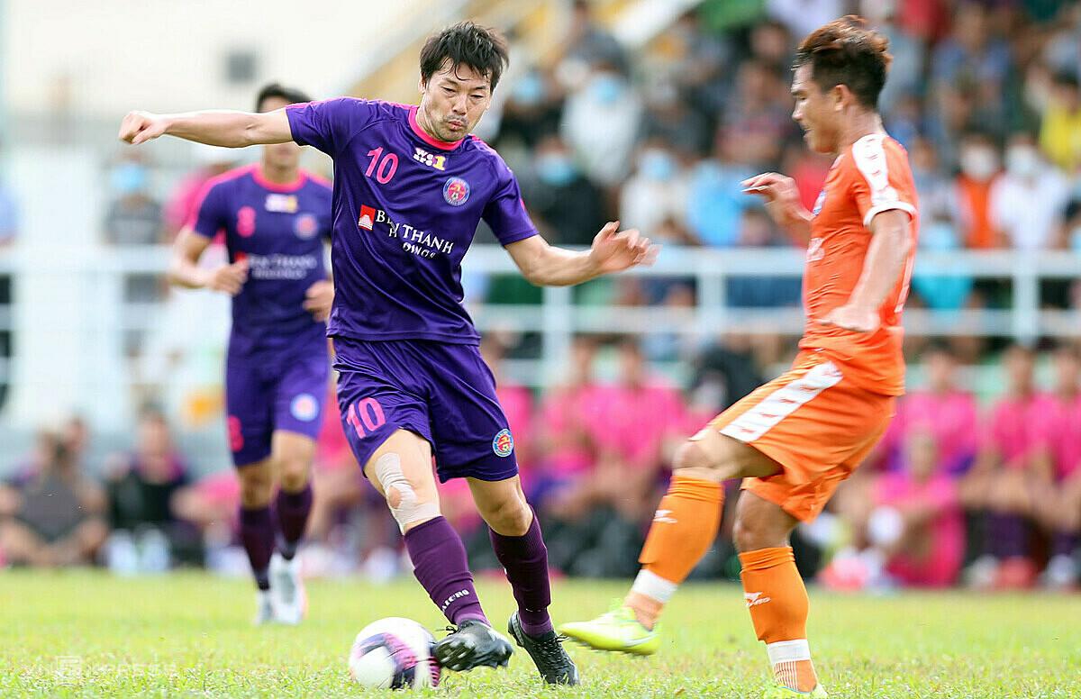 Sài Gòn FC thay mới mình với chiến lược J-League hoá mà cựu tuyển thủ Nhật Bản Matsui (10) là ví dụ điển hình để họ lấy lại niềm tin của người hâm mộ Sài Gòn. Ảnh: Đức Đồng.