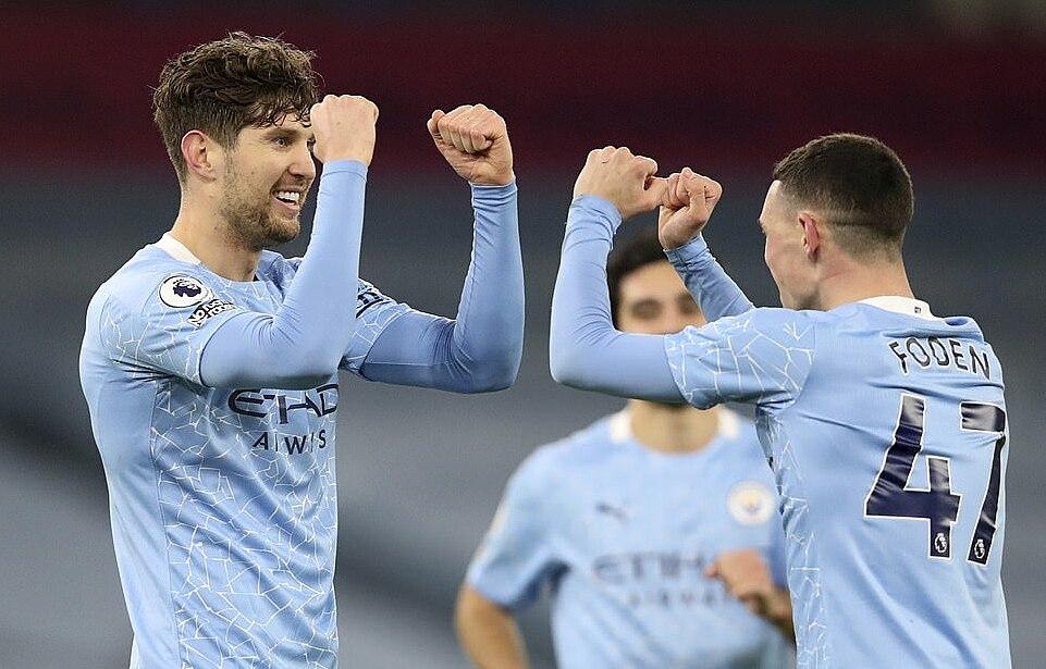Stones là người hùng của Man City trận này khi góp hai bàn vào chiến thắng. Ảnh: AP