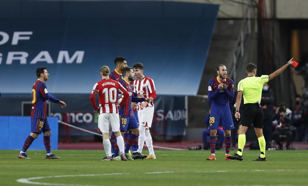 เมสซี่เข้าใจดีว่าการกระทำที่ดุเดือดจะทำให้โดนใบแดง  ภาพ: Marca