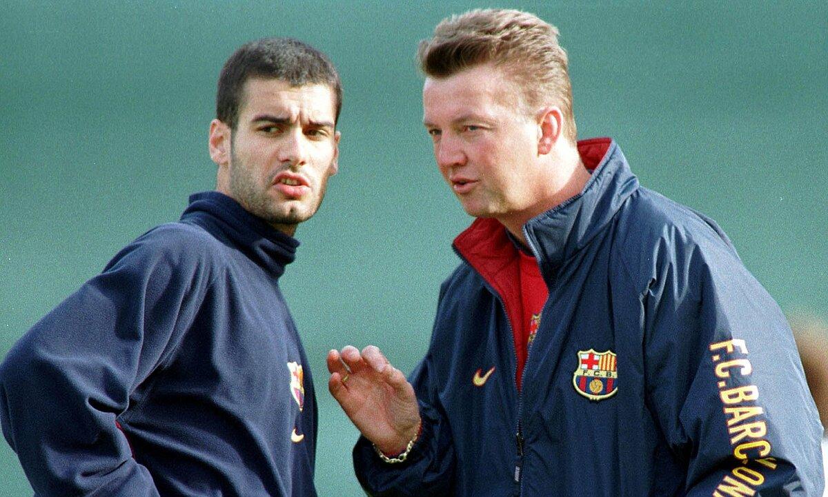 Van Gaal segera menyadari kualitas pelatih hebat di Guardiola.  Foto: AP