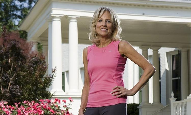 Terlepas dari usia, beban kerja, dan kehidupannya, Jill telah jogging dengan mantap selama 30 tahun terakhir.  Foto: Runners World