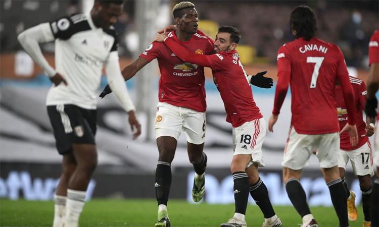 Parker cho rằng Pogba bị chạm tự ái khi chứng kiến Fernandes tỏa sáng. Ảnh: Reuters.