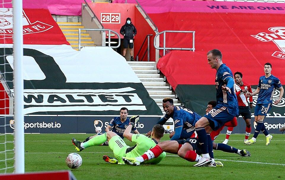 กาเบรียลทำเข้าประตูตัวเองช่วยให้เซาแธมป์ตันยิงประตูเดียว  ภาพ: Southampton FC.