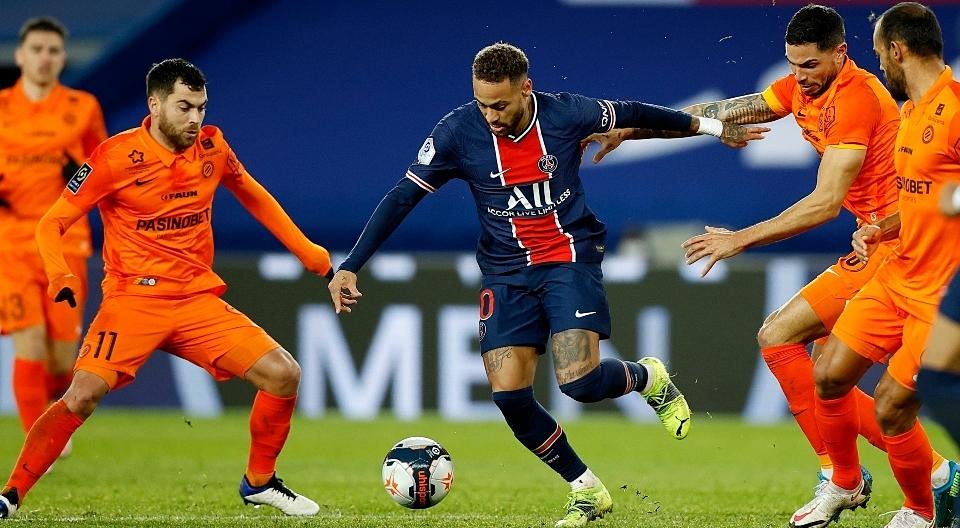 Neymar có nhiều đất diễn khi được chơi ở vị trí của một số 10. Ảnh: EFE