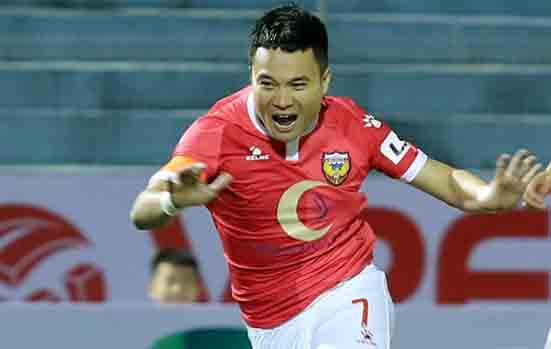 Phi Son tidak akan merayakan jika dia mencetak gol melawan Kota Ho Chi Minh.  Foto: Duc Hung.