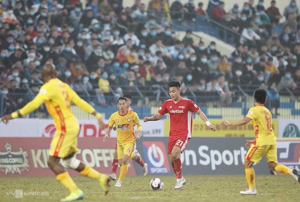 Viettel menendang tiga pertandingan berturut-turut tanpa tahu bagaimana cara menang dan tidak mencetak gol apa pun.  Foto: Nguyen Nhu