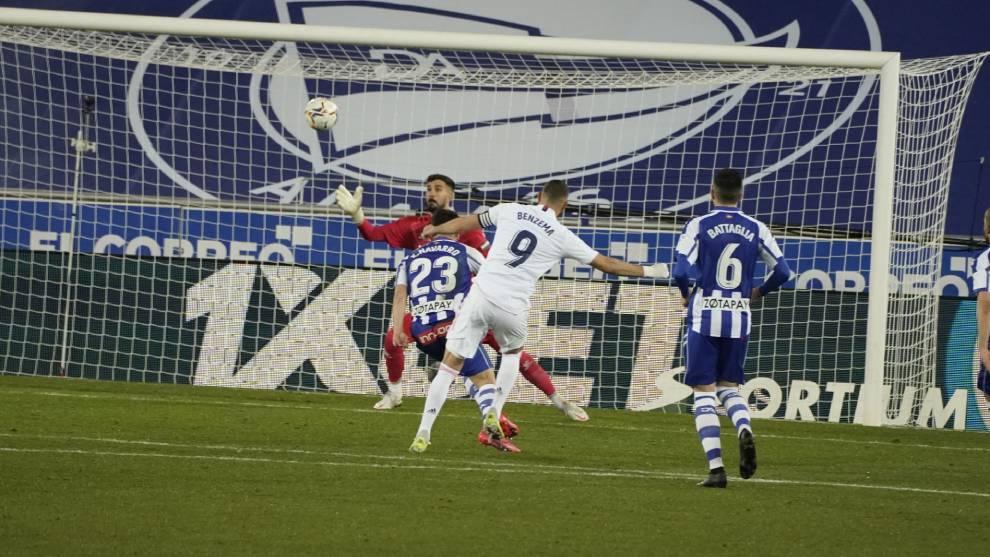 Benzema masih menjadi striker utama Real.