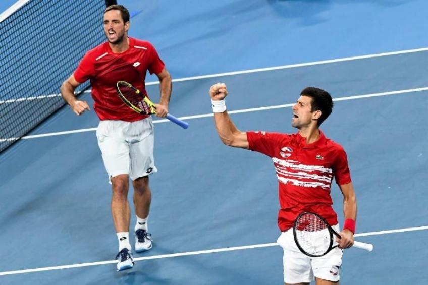 Troicki (trái) và Djokovic vô địch ATP Cup tại Australia năm ngoái. Ảnh: AP.