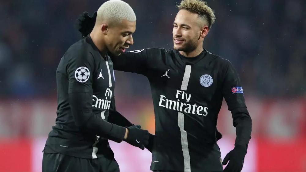 Neymar và Mbappe khó chơi chung với Messi và Ramos tại PSG. Ảnh: Reuters.