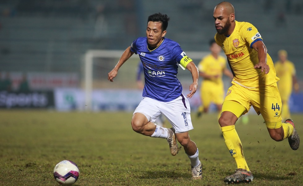 Van Quyet (ซ้าย) และฮานอยผ่านเข้าสู่รอบรองชนะเลิศของ AFC Cup 2019 รูปภาพ: Lam Tho