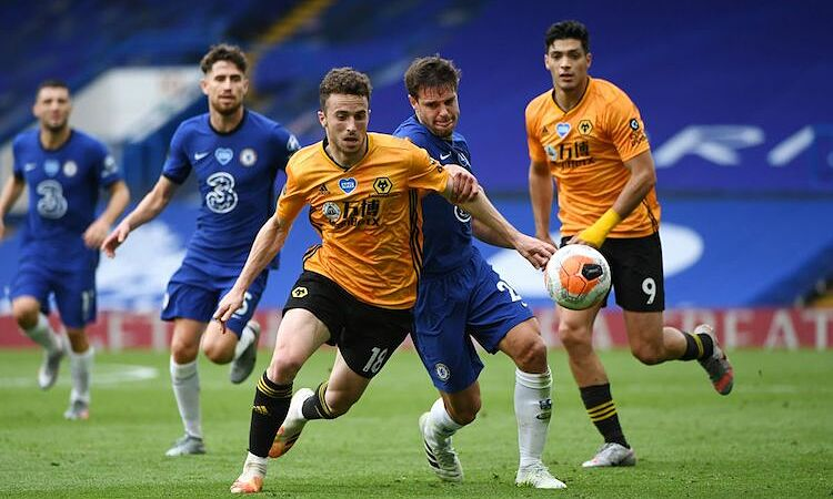 Wolves thua Chelsea 0-2 trong lần gần nhất làm khách tại Stamford Bridge. Ảnh: Reuters.