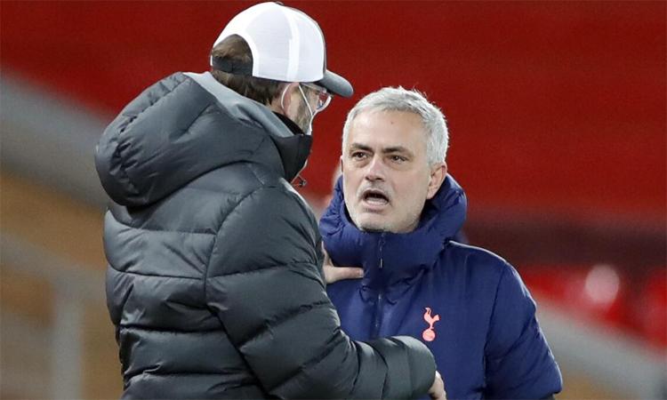 Mourinho bertanya-tanya mengapa Klopp tidak dihukum karena bereaksi terhadap wasit dan dia melakukannya.  Foto: PA.