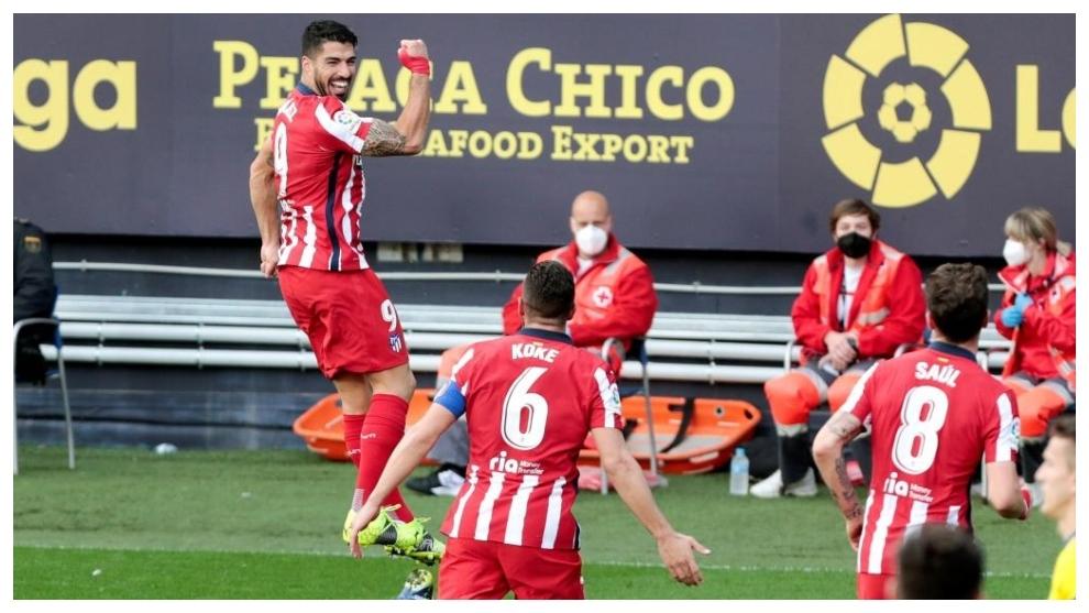 Suarez (trái) tiếp tục thăng hoa trong màu áo Atletico. Ảnh: EFE.