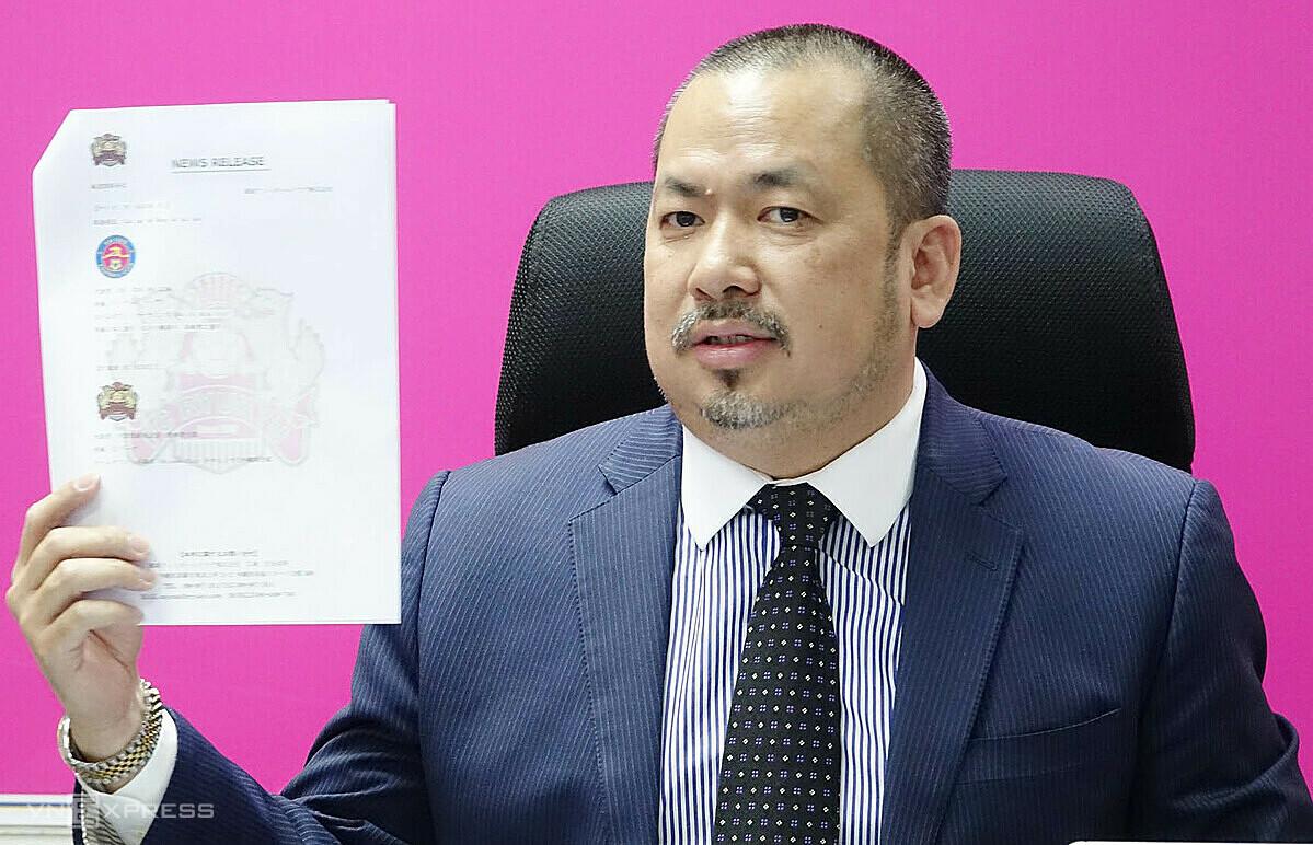 Chủ tịch Trần Hoà Bình công bố bản hợp tác chiến lược toàn diện với FC Ryukyu. Ảnh: Đức Đồng.