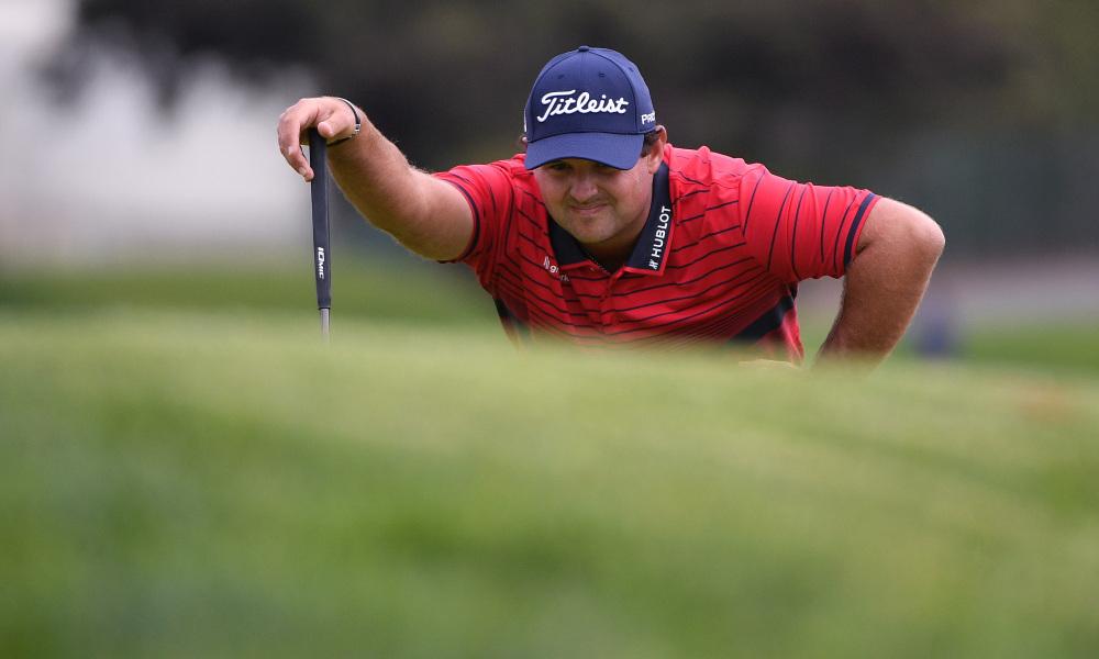 Những tranh cãi về cách xử lý tình huống của Reed khiến nhà cái trả lại tiền vốn cho khách cược vào cửa các golfer khác vô địch. Ảnh: USA Today