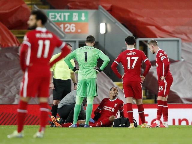 Liverpool terus mengalami nasib buruk dengan posisi lini tengah musim ini.  Foto: Reuters.