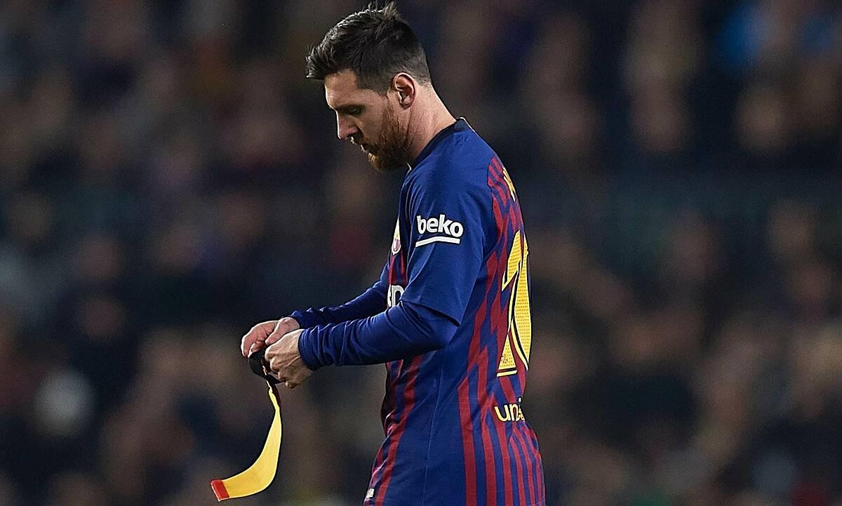 Barca disebut-sebut tengah kesulitan karena beban finansial dari kontrak terakhir yang ditandatangani Messi pada 2017. Foto: REX