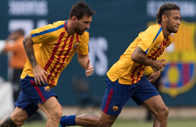 Theo hợp đồng hiện tại, Messi hoàn toàn có thể rời Barca trong hè 2021 và vẫn được nhận tiền thưởng trung thành như đồng đội cũ Neymar năm 2017. Ảnh: EFE