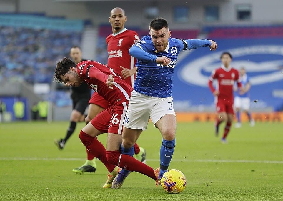 Brighton (áo xanh) luôn chơi kiên cường trước những đối thủ được đánh giá cao hơn. Ảnh: Reuters.