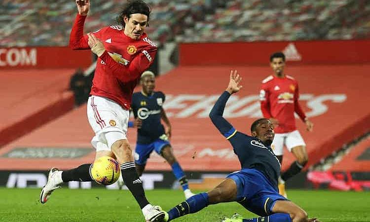 Chơi thua người từ sớm, Southampton không thể chống lại sức tấn công của Man Utd. Ảnh: NMC Pool.