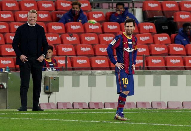 Ronald Koeman và Messi gặp vấn đề gián điệp tại Barca mùa này. Ảnh: Reuters.