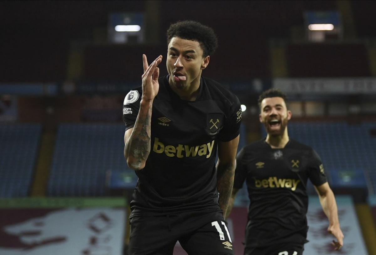 Lingard mừng bàn ấn định chiến thắng cho West Ham. Ảnh: Independent.