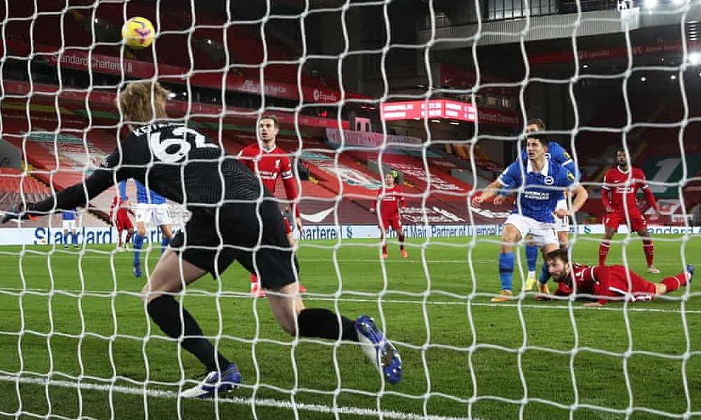 Liverpool (baju merah) telah memicu tiga pertandingan berturut-turut di Anfield di Liga Premier.  Foto: Reuters