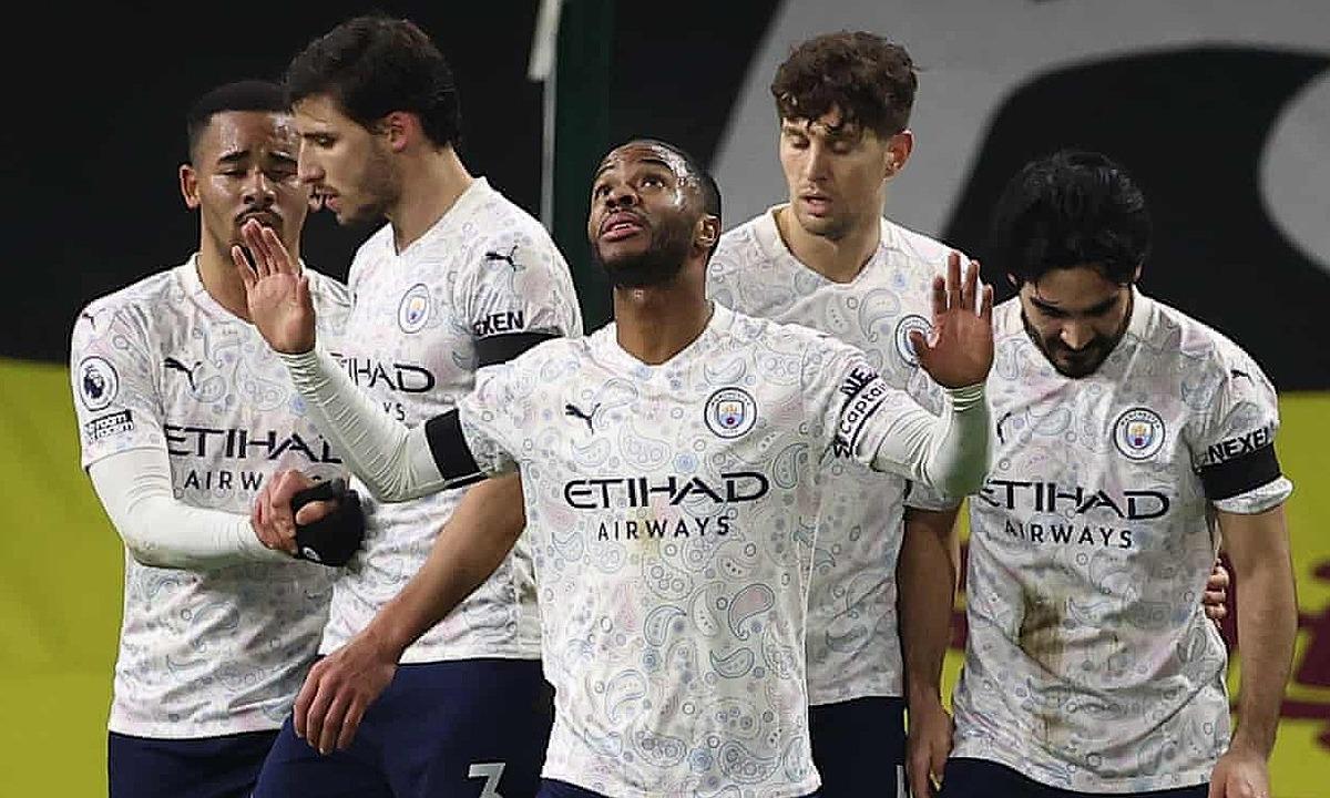 Sterling đeo băng đội trưởng, mừng bàn nâng tỷ số lên 2-0 cho Man City. Ảnh: NMC Pool