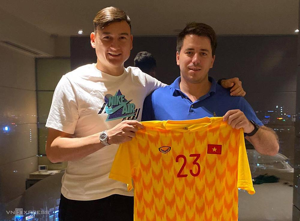 Dang Van Lam มอบอำนาจอย่างเต็มที่ให้ตัวแทนของ Grushin Andrey ในข้อตกลงที่จะย้ายไปเล่นที่ญี่ปุ่น