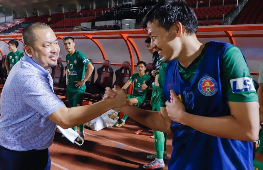 Dengan 20 tahun pengalaman tinggal dan bekerja di Jepang, Presiden Tran Hoa Binh membujuk Matsui untuk bergabung dengan tim.  Foto: Thanh Anh.
