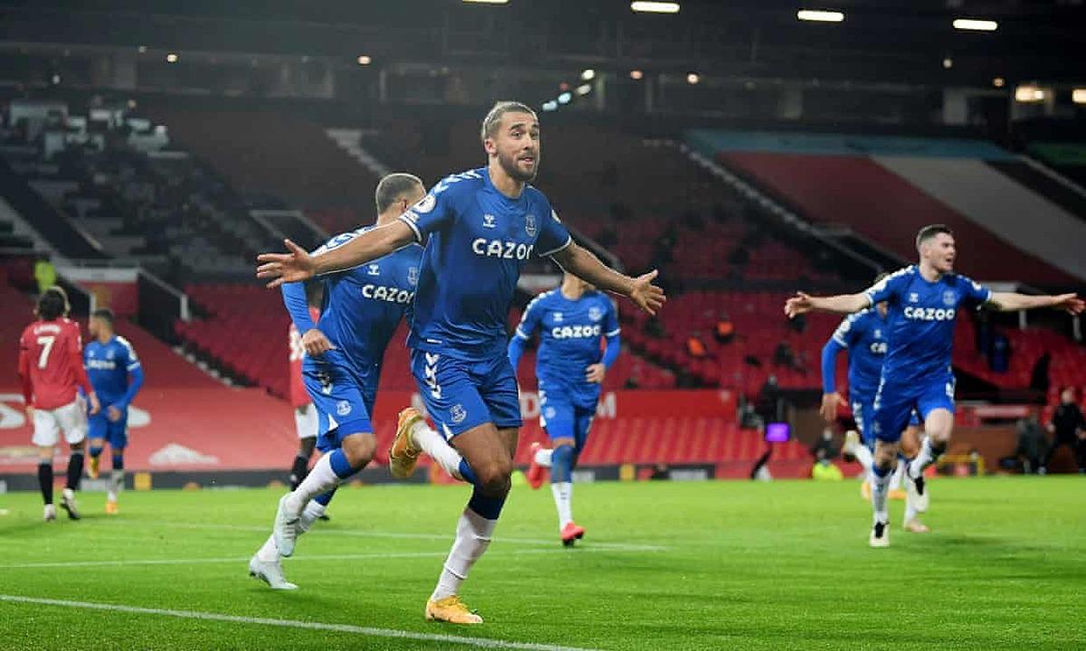 Calvert-Lewin membantu Everton mengklaim hutang kehilangan Man Utd di fase pertama.  Foto: Reuters