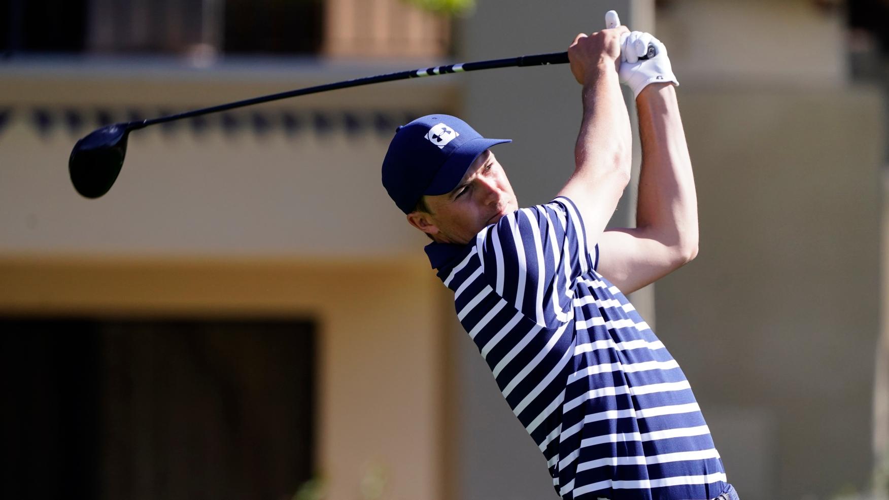 Jordan Spieth kicked off the last five rounds of the Phoenix Open on 7/2.  Photo: AP