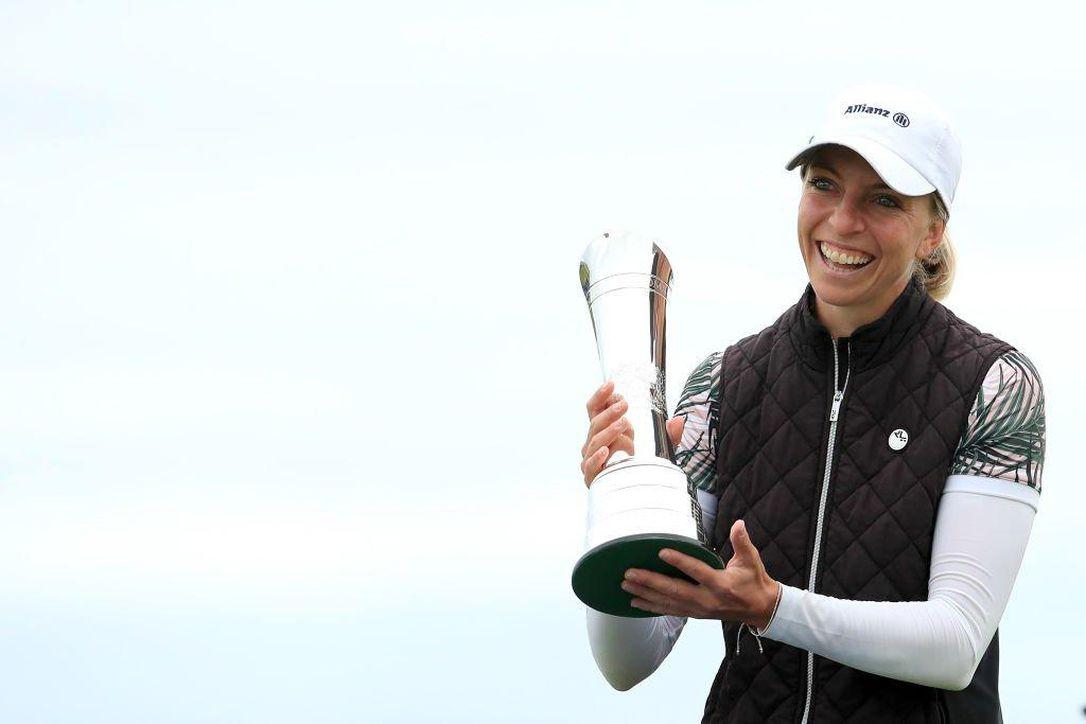 Pegolf yang tidak memiliki kartu keanggotaan LPGA Tour tetapi juara utama seperti Popov akan segera diberikan hak keanggotaan.  Foto: AP