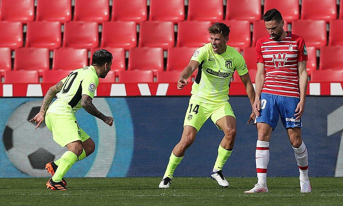 Correa (ซ้าย) และ Llorente คือฮีโร่ที่นำชัยชนะมาสู่ Atletico ที่ Granada Stadium  ภาพ: EFE